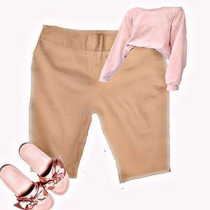 Like New Worthington Modern Fit Long Khaki Shorts